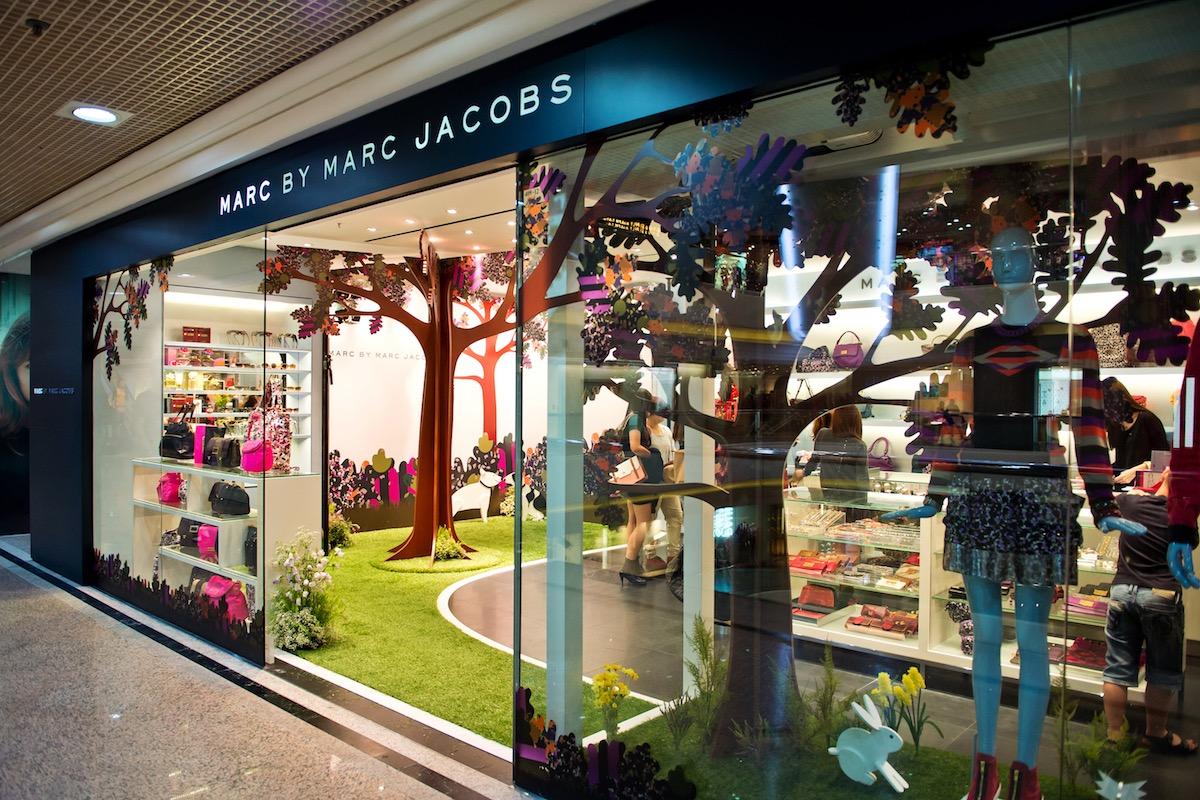 size 40 a0f59 68651 Marc Jacobs Shop Opening Event and Window Display - Aeroporto